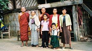 In_Birma_med